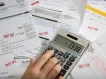 Il debito è un problema enorme per le famiglie – Come si fa a uscirne?
