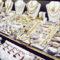 Nuovo boom di Outlet gioielli su web: ed è subito caccia all'occasione